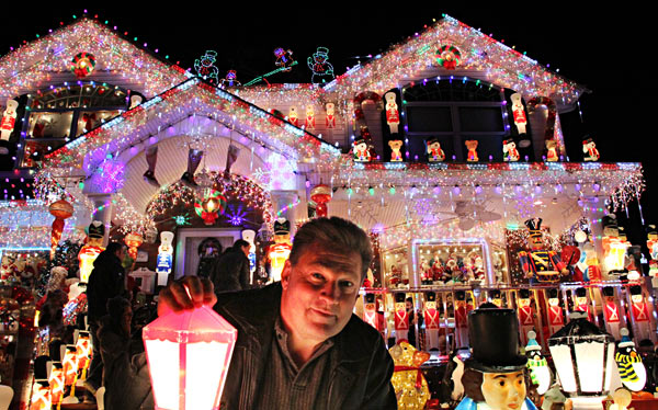 greatxmaslights_ft_2013_12_06_q1_alexrobinson_z
