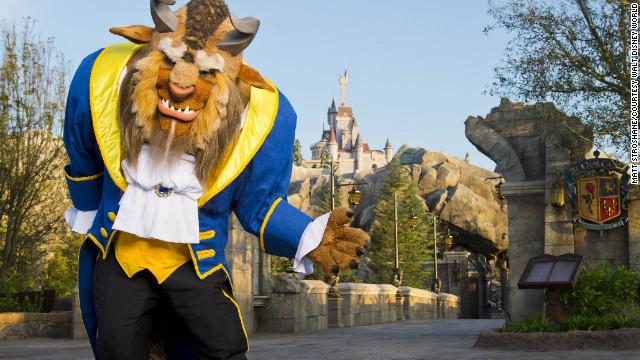 121204094003-fantasyland-beast-restaurant-story-top